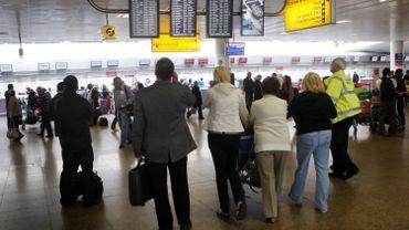 """Ryanair ferme sa base de Glasgow à cause des taxes jugées """"trop élevées"""""""