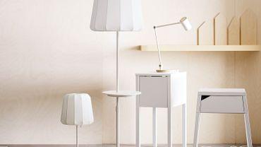 """Les premiers meubles """"intelligents"""" de l'entreprise, qui intègre des chargeurs sans fil."""