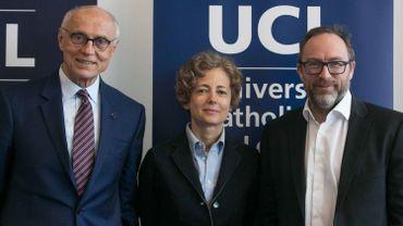 De gauche à droite Eduardo Suplicy, Paola Vigano et Jimmy Wales. Les trois nouveaux docteurs honoris causa de l'UCL.