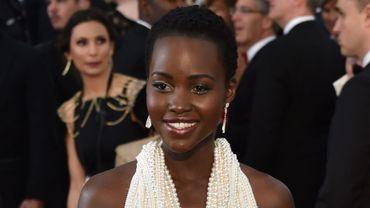 Lupita Nyong'o lors de la soirée de remise des Oscars le 22 février 2015