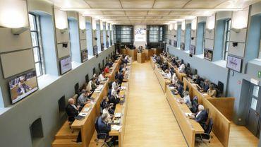 Traités de libre-échange: le Parlement de Wallonie approuve le traité controversé avec Oman