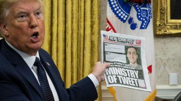 Le président américain Donald Trump, le 28 mai 2020 à la Maison Blanche, à Washington, avant la signature d'un décret visant à limiter la protection des réseaux sociaux et la latitude dont ils bénéficient dans la modération de leurs contenus