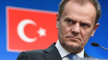 """L'accord de principe dévoilé lors du sommet du 7 mars, qui envisage le renvoi vers la Turquie de tous les nouveaux migrants traversant la mer Egée, est censé """"changer la donne"""" selon l'expression de plusieurs responsables européens."""