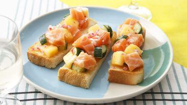 Toasts de saumon frais de Norvège et ananas