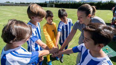 La pratique d'un sport en équipe associée à une réduction des risques de dépression chez les garçons de 9-11 ans.