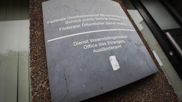 BxlRefugees dénonce des dépôts de migrants à sa porte par l'Office des Etrangers