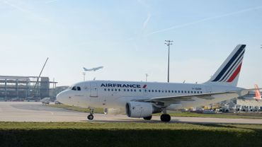 La direction d'Air France confirme son plan de 465 départs volontaires