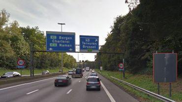 Le tunnel des Quatre bras de Tervuren, sur le ring de Bruxelles (R0), sera fermé en direction de Waterloo durant la nuit du 25 au 26 juin. La circulation se fera dès lors en surface.