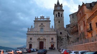 Un évêque de Sicile veut interdire aux mafieux de devenir parrains de baptême