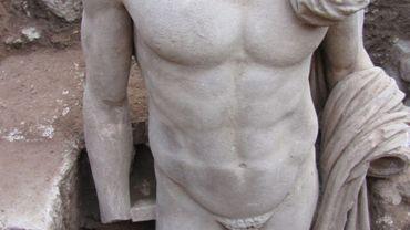 Statue trouvée dans le théâtre d'Epidaure, en Grèce, en 2011