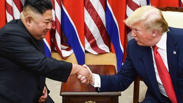 """""""Kim Jong Un m'a écrit de magnifiques lettres. Nous sommes tombés amoureux"""" se réjouit Donald Trump"""