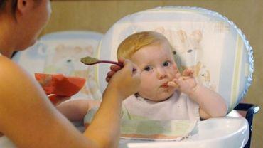 Trop de sucre dans la nourriture pour bébé, alerte l'OMS