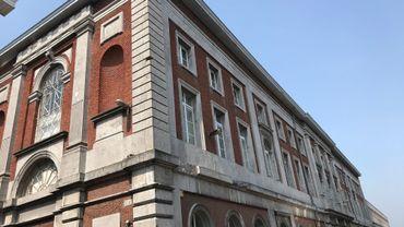 L'argent n'a pas été détourné du compte de fonctionnement de l'école mais d'un compte destiné à recevoir les loyers des bâtiments appartenant à l'institution.