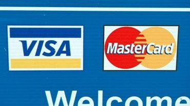 Les données de milliers de détenteurs de cartes Visa et Mastercard se retrouvent-elles sur internet ?