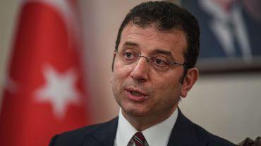 """Turquie: enquête contre le maire d'Istanbul, rival d'Erdogan, pour """"irrespect"""" envers un sultan"""