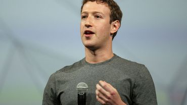 Facebook chief Mark Zuckerberg is calling for governments to take a greater hand in regulating the internet