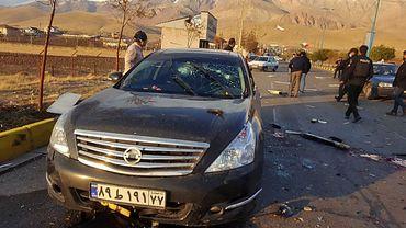 Un document photo mis à disposition par la télévision d'État iranienne (IRIB) le 27 novembre 2020 montre la voiture endommagée du scientifique nucléaire iranien Mohsen Fakhrizadeh après avoir été attaquée près de la capitale Téhéran