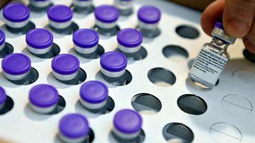 Vaccin anti-coronavirus: la Belgique commandera au moins 7,5millions de doses de BioNTech-Pfizer en plus