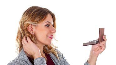 Comment rehausser les traits du visage avec le haircontouring