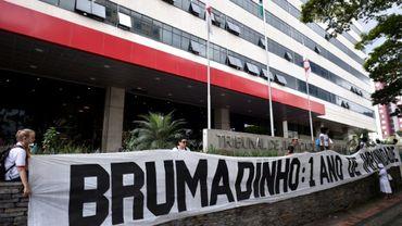 Marche entre Belo Horizonte et Brumadinho, au Brésil, le 20 janvier 2020, un an après la rupture d'un barrage minier qui avait fait 270 morts