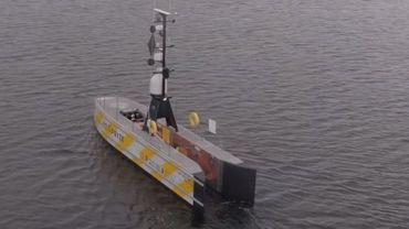 Première mondiale: un navire traverse la Manche sans équipage