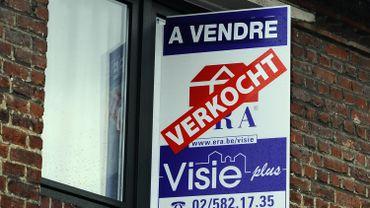 Unemesure en faveur du consommateur est que, dans le cadre d'un emprunt hypothécaire, la vente couplée sera davantage réglementée.
