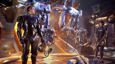"""Charlie Hunnam et Rinko Kikuchi piloteront un robot géant dans """"Pacific Rim"""""""