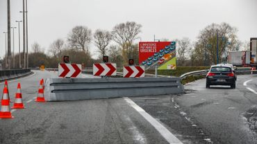 Les usagers voulant se rendre en France doivent emprunter l'E42 à Hautrage en direction Tournai