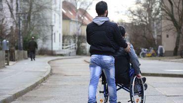 Les risques au quotidien sont nombreux pour les aidants proches, et il était jusqu'ici difficile ou très cher de s'assurer