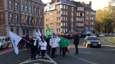 200 membres du personnel du SPF finances ont manifesté à Namur