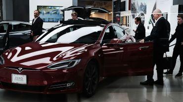 Le PDG de Tesla promet des fonctionnalités de conduite autonome en août