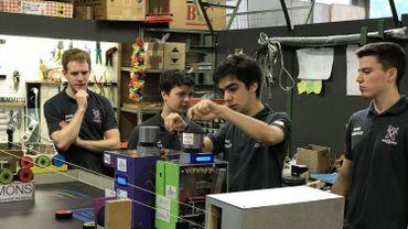 Derniers rôdages d'Octobot et Pom'bot, les deux robots des étudiants de l'UMons.