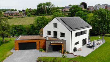 Nouvelle construction lumineuse et économe en énergie