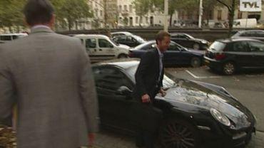 """De Wever: amende jetée, plaques illégales... une Porsche pas très """"clean"""""""
