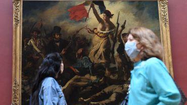 Pénurie, polémique et volte-face, en France aussi les masques continuent de