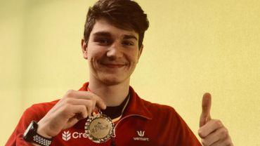 Thomas Carmoy est fier de sa médaille de recordman de Belgique juniors