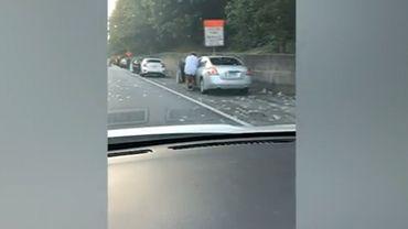 Etats-Unis: une pluie de billets de banque s'abat sur une autoroute