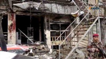 Une vidéo filmée par une agence kurde locale sur les lieux du drame montre une façade noircie et complètement éventrée, le sol couvert de gravats avec du sang sur le mur