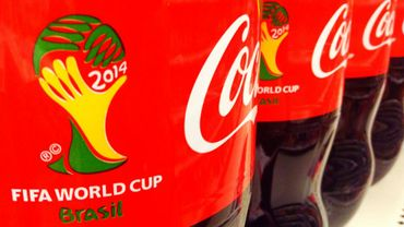 """FIFA: Coca-Cola et McDonald's réclament la démission """"immédiate"""" de Blatter"""