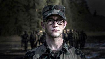 """Joseph Gordon-Levitt tient le premier rôle dans """"Snowden"""", film d'Oliver Stone qui sortira avec près d'un an de retard"""