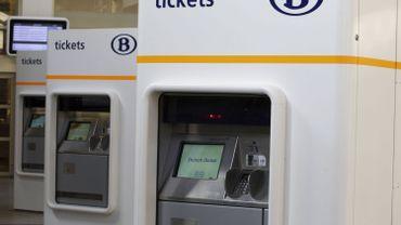 La SNCB supprimera ses cartes de train à validation hebdomadaire.
