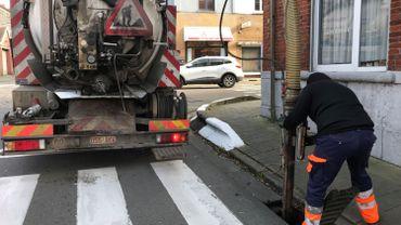 Les avaloirs des onze communes de l'entité louviéroise vont être nettoyés dans les deux prochains mois