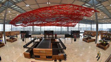 L'aéroport international de Berlin (BER), gouffre financier dont l'entrée en service aurait dû avoir lieu en 2011, va finalement ouvrir le 31 octobre 2020.
