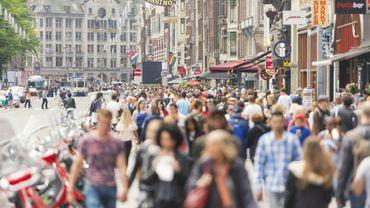 Amsterdam tente de limiter le tourisme de masse et les nuisances qui en découle.