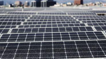 L'Union européenne lève ses mesures anti-dumping sur les panneaux solaires chinois