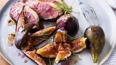 Magret de canard aux figues fraîches.
