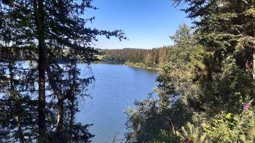 Le lac de Butgenbach, lieu de villégiature par excellence dans les Cantons de l'Est