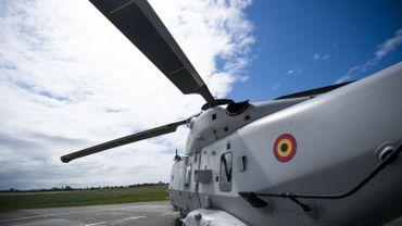 L'inconvénient de l'indisponibilité des hélicoptères est que les pilotes sont dans l'impossibilité de s'entraîner aux missions embarquées.
