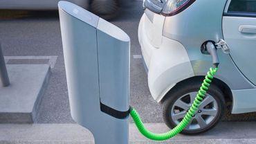 Véhicules électriques: le gouvernement bruxellois vise 11 000 bornes de recharge à l'horizon 2035