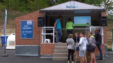 Visite du recyparc par des écoliers